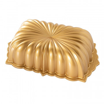 Molde Classic Fluted Loaf Pan Nordic Ware